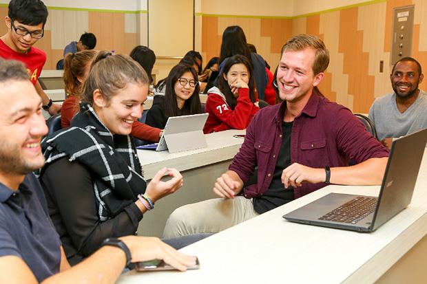 外語、課程、跨文化三合一 提升國際競爭力