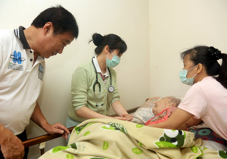 護理師定期家訪 出院後專業照護不間斷