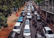 頭痛問題:交通塞塞塞,薪資漲漲漲