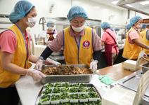 200種菜色、700個便當,每日送餐暖人心