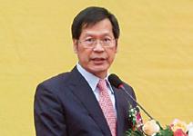 藍天電腦董事長 許崑泰