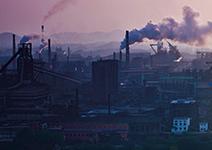 高級社區卻有嗆鼻毒氣,居民怒轟鋼鐵廠