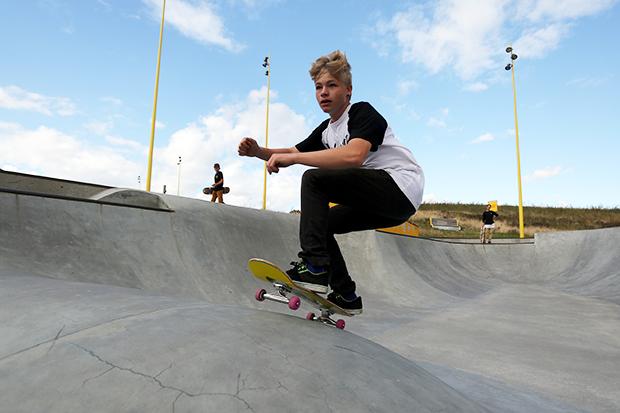 它是防洪排水道,也是最酷的滑板公園