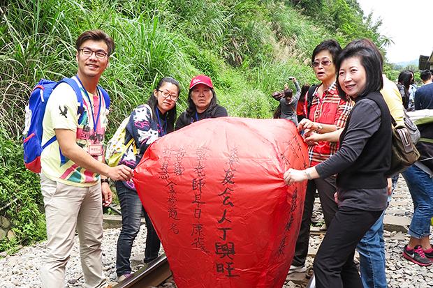 三個月找到600系友 吳惠瑜:比搶下大訂單開心