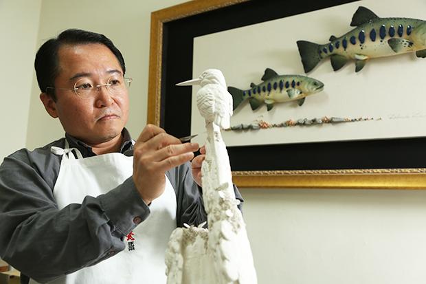 凝定美好瞬間,李國欽用陶瓷記錄生態