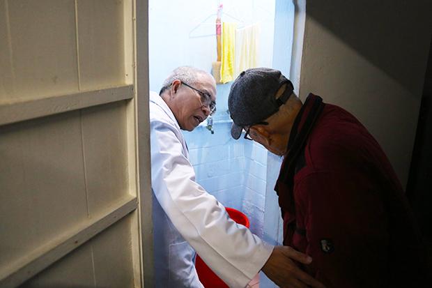 醫生走進家門,當民眾的好朋友