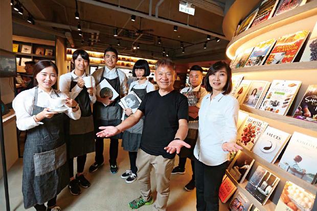 戴勝益63歲圓文青夢 不求營利的簡單決策