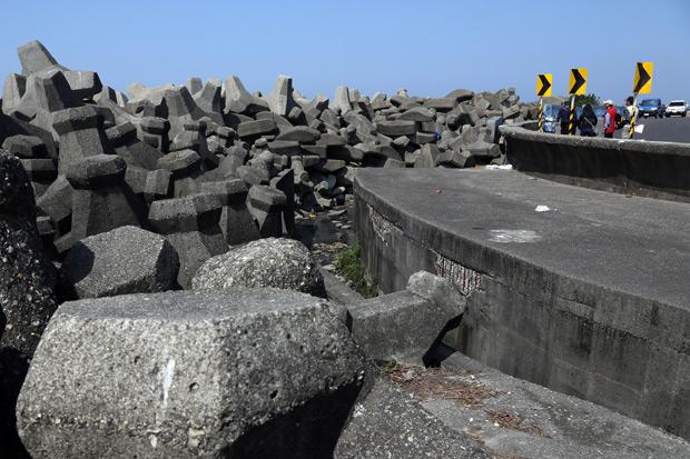 2萬兩黃金打造海堤 漁村成消波塊博物館