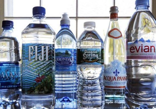 碳酸飲料風華不再!水成美國人最愛飲料