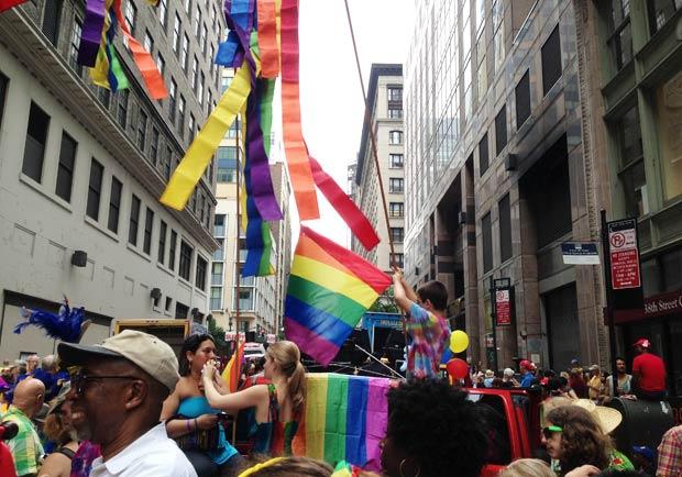 紐約熱鬧滾滾,多元文化大遊行!