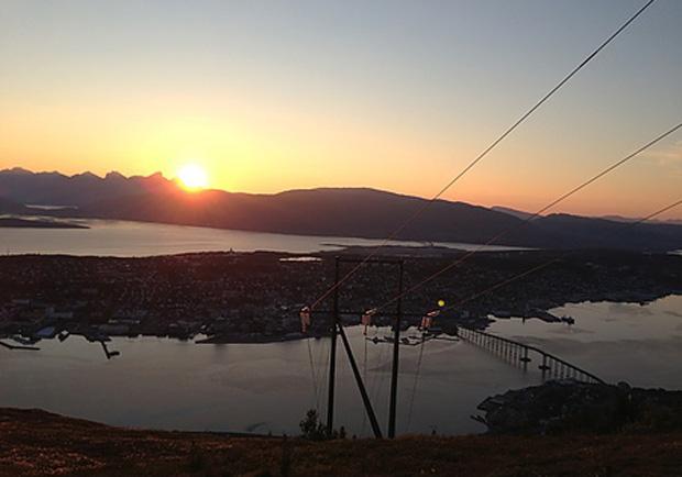 北挪威Tromsø市容美景一覽盡收──Fjellheisen纜車