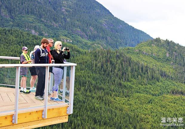 酋長岩上的凌空吊橋—海天纜車登高記