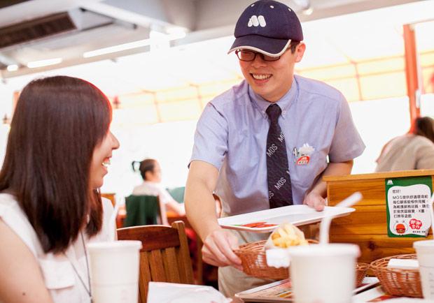 你在服務業工作嗎?請牢記服務三寶