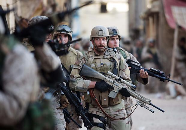 詮釋最強《美國狙擊手》 布萊德利庫柏一個故事演繹兩種心境!