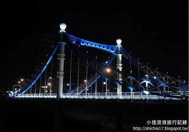 情人橋、清新橋、藍天白雲橋:台中大坑夢幻夜拍好好玩
