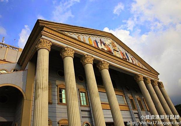 像城堡又像宮廷,台中圓滿教堂好歐風!