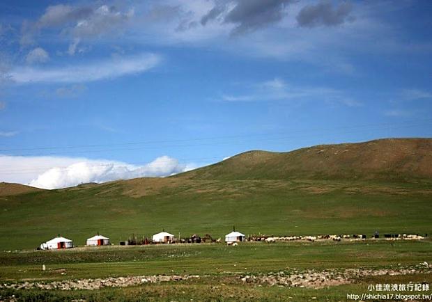 風吹草低見牛羊!體驗蒙古草原大漠民族生活