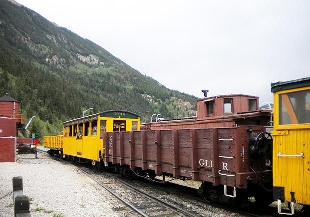 火車也能變餐廳!體驗鐵橋上的美景和晚餐