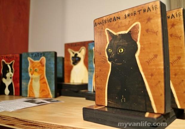 與貓共舞,溫哥華第一家貓咪咖啡館!