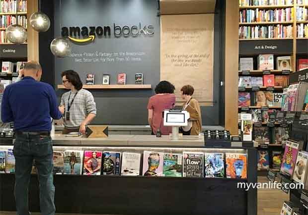 不輸台灣的誠品!拜訪亞馬遜第一家實體書店