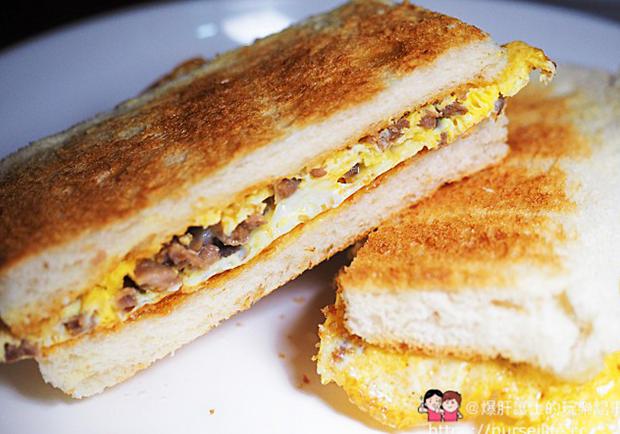 來去香港玩一趟!隱藏在大廈裡的早午餐、三明治咖啡店