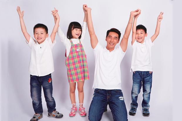 李李仁:孩子不一定要功成名就,但要懂得付出!