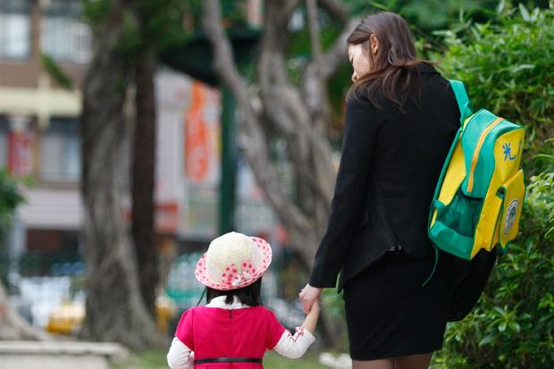 家長控制慾太強,易造成孩子過度自我挑剔、焦慮與憂鬱