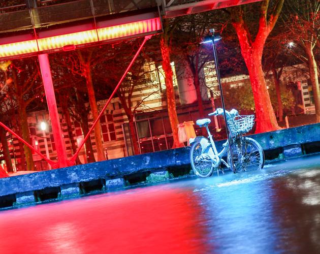 塞納河「水在睡覺」藝術展