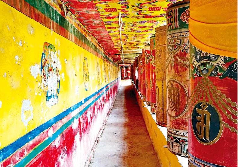 自然而然的習慣 藏族人一輩子都在轉經