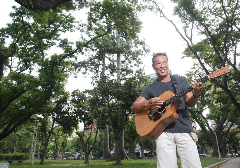 45歲職涯巔峰勇退 旅遊、寫作、玩音樂