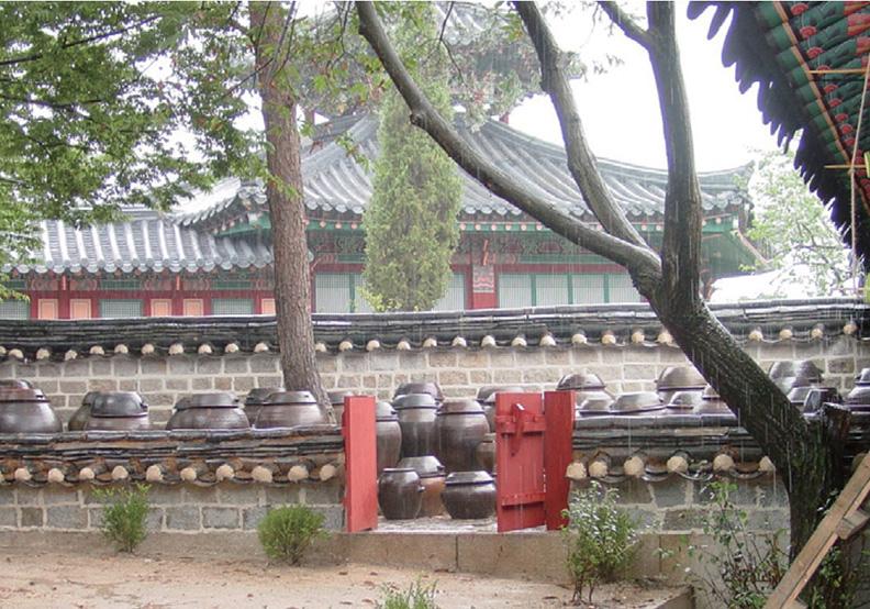 朝鮮王朝宮中的醬缸台