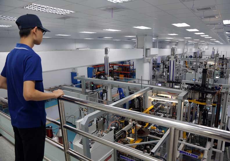 混線、客製化生產 發揮人機協作優勢