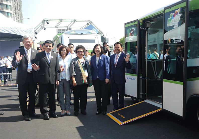 領先體驗綠色運具,高雄11月舉辦亞洲新灣區「智慧自駕小巴試乘」
