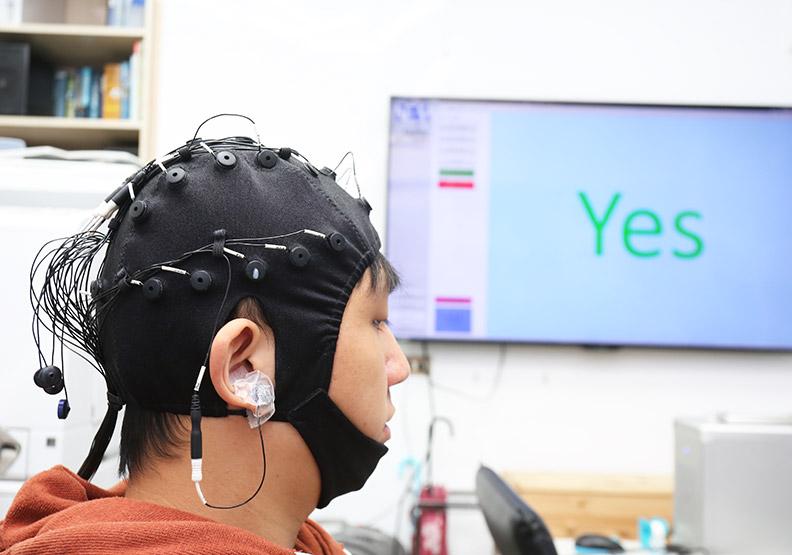 腦機介面要普及 兩道難題仍待克服