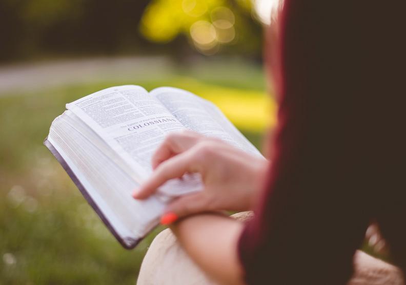 別給孩子一本連你自己都不會讀的書