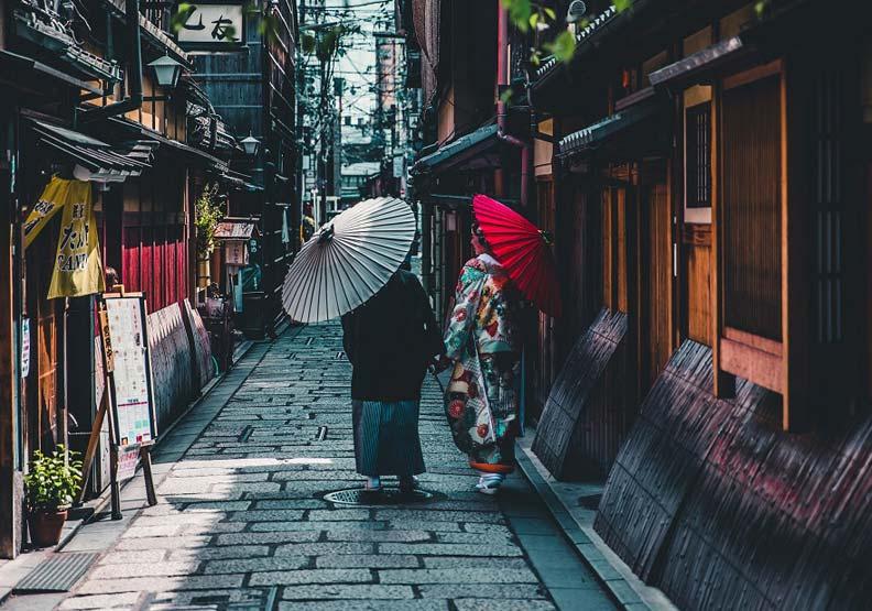 去京都不看熱鬧!精選3處文學名所
