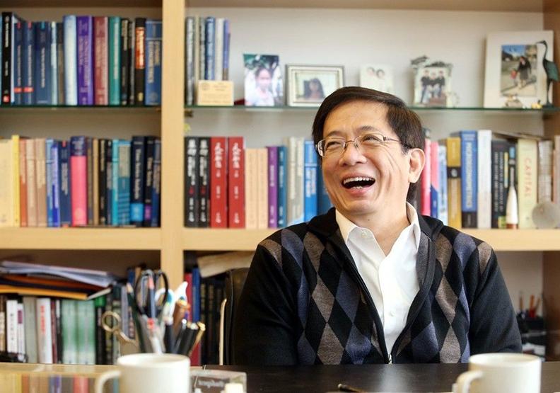 教授薪資30年不動 管中閔:台灣工廠思維將剩老肝拚GDP