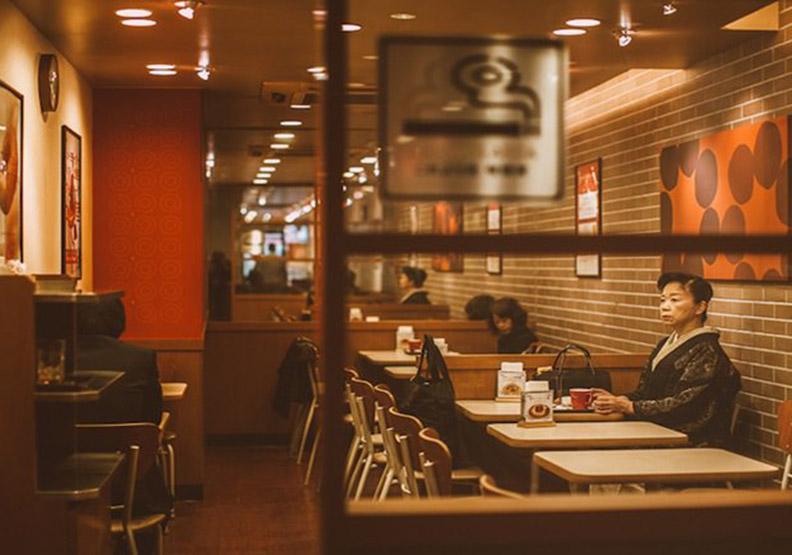 孤獨感爆發!最真實的日本街頭攝影
