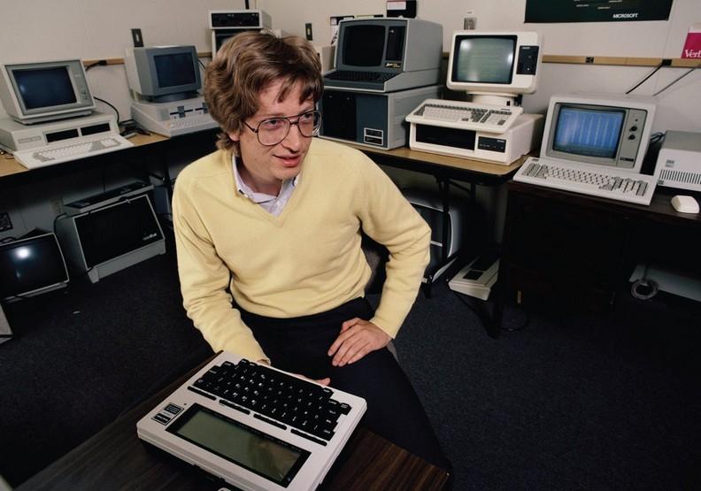 比爾蓋茲在1999年就做出的15項預測──看天才的腦袋有多驚人