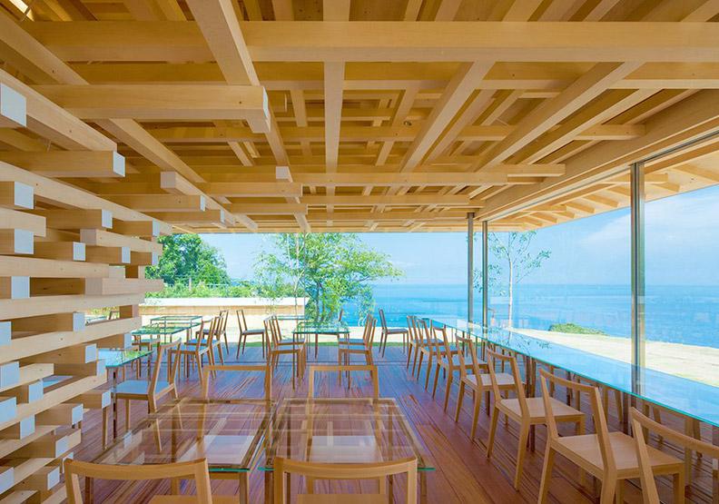 無敵海景+花園玻璃屋!隈研吾的咖啡館設計