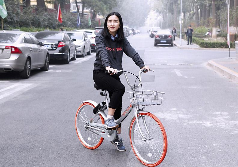 36歲胡瑋煒出租小橘  讓176城市都騎她的車