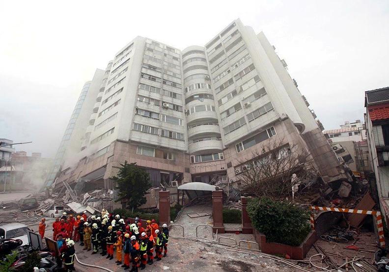 雲門翠堤倒塌原因 建築師:單邊騎樓碰到斷層帶