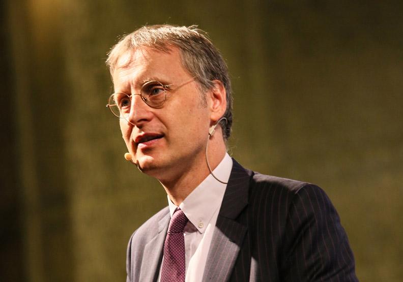 麥爾荀伯格:富數據取代金錢,成為驅動消費新力量
