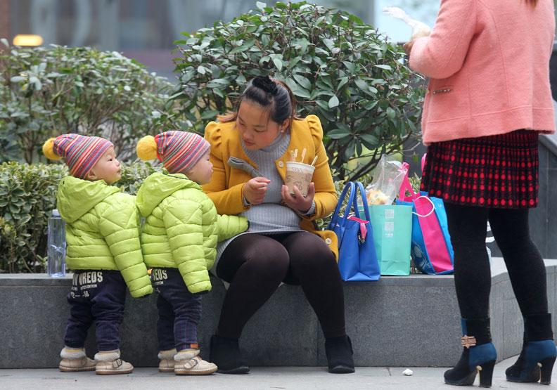 大陸允許二胎化 但出生率不如預期