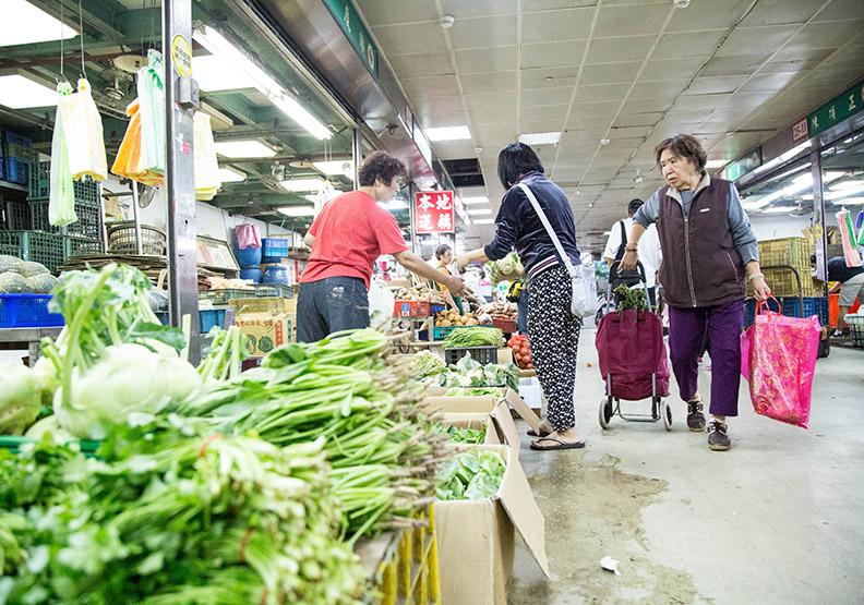 除了當季以外,還要選擇「適地」種植的蔬果;賴永祥攝。
