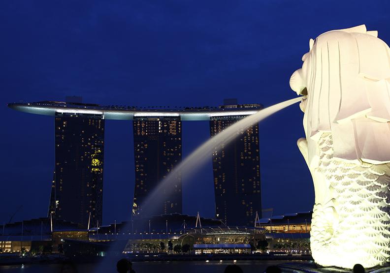 送中修法引發擔憂,香港大亨轉移資產到新加坡