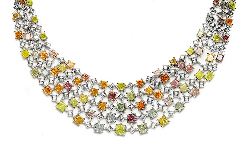 5億珠寶登台鑑賞!35克拉全球最多色彩鑽套鍊 春季拍賣會待價而沽