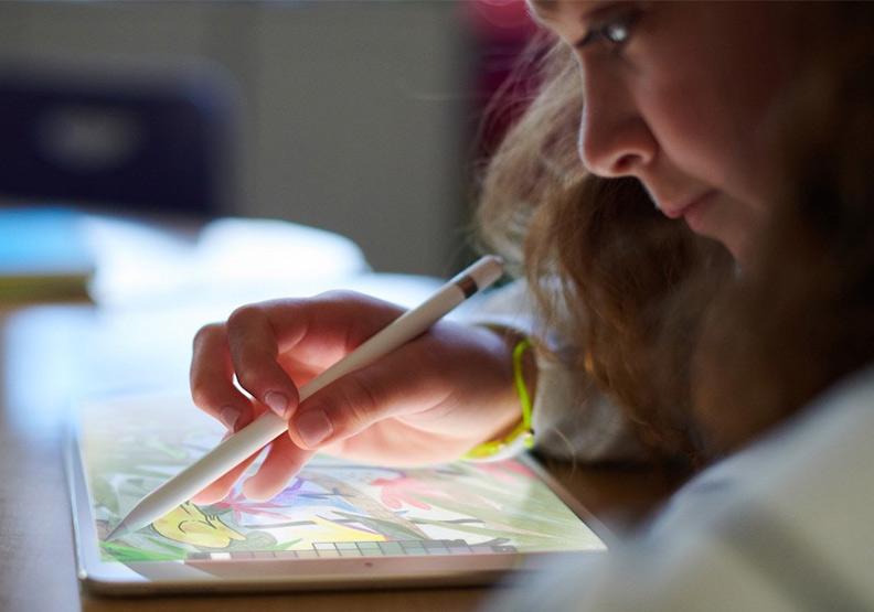 蘋果挑上芝加哥 正面迎戰教育市場龍頭Google