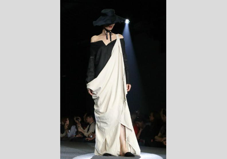 輔大織品服裝學系設計新銳展演 爭奪前進倫敦門票
