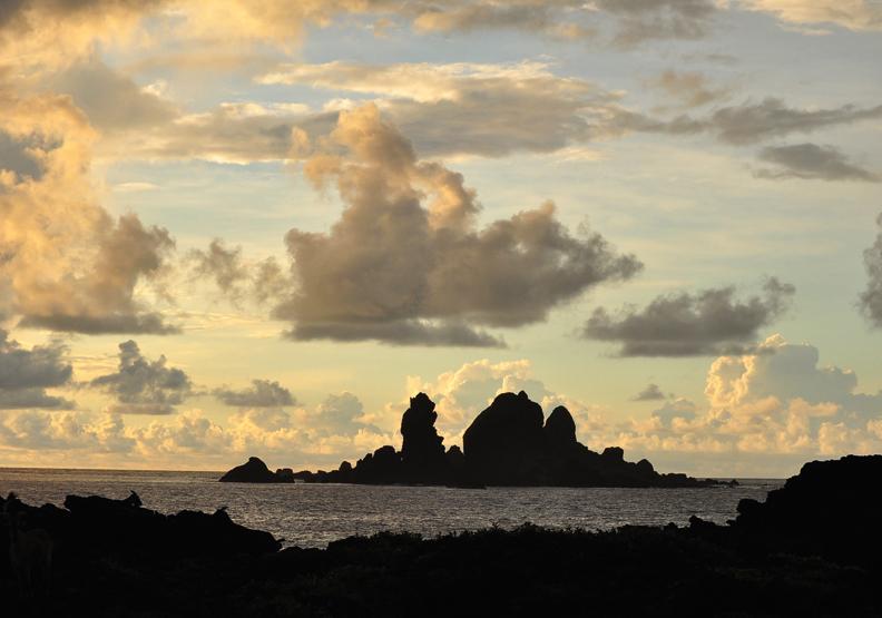 守護蘭嶼的海上軍艦:軍艦岩